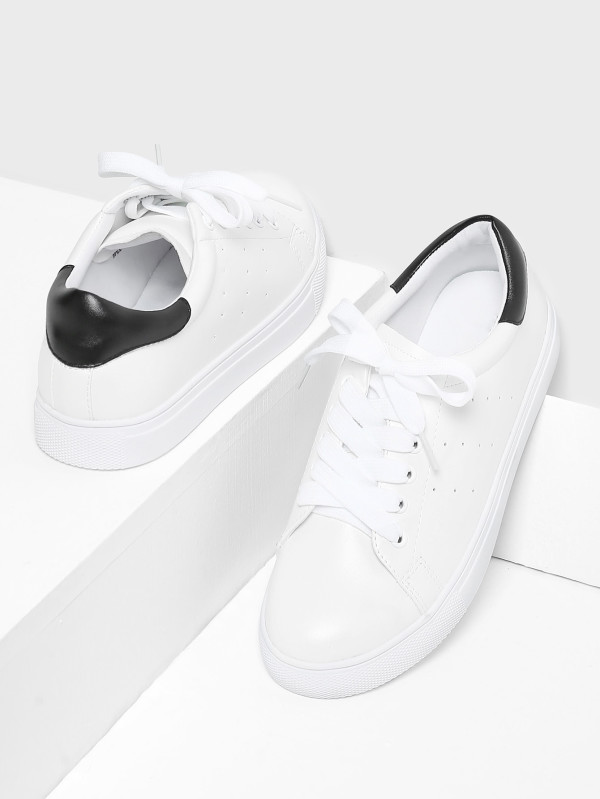 Lace Up Round Toe Sneakers